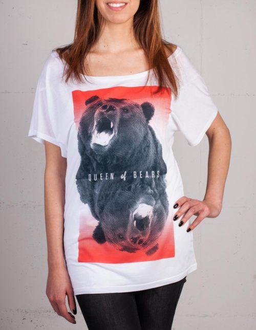 Queen of Bears T-shirt von Daniel Strohhäcker, Frontansicht